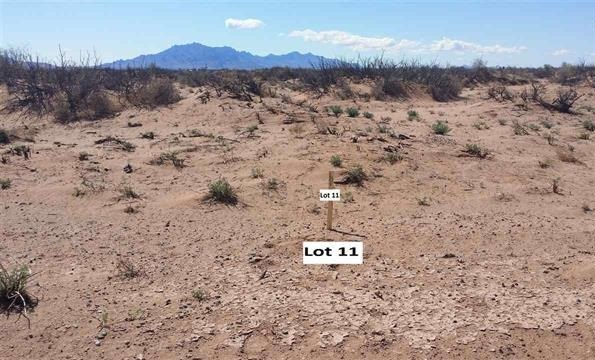 0.93 acre lot just off the Hatch Hwy.