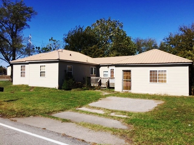 REAL ESTATE AUCTION - CORNER OF 63RD S./SENECA, WICHITA, KS
