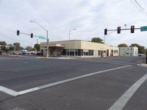 BURNS, OR - BEST COMMERCIAL LOCATION ON CORNER LOT