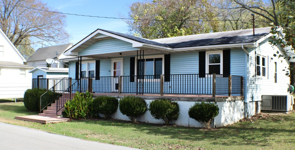 Ava Mo, remodeled home, move in ready!