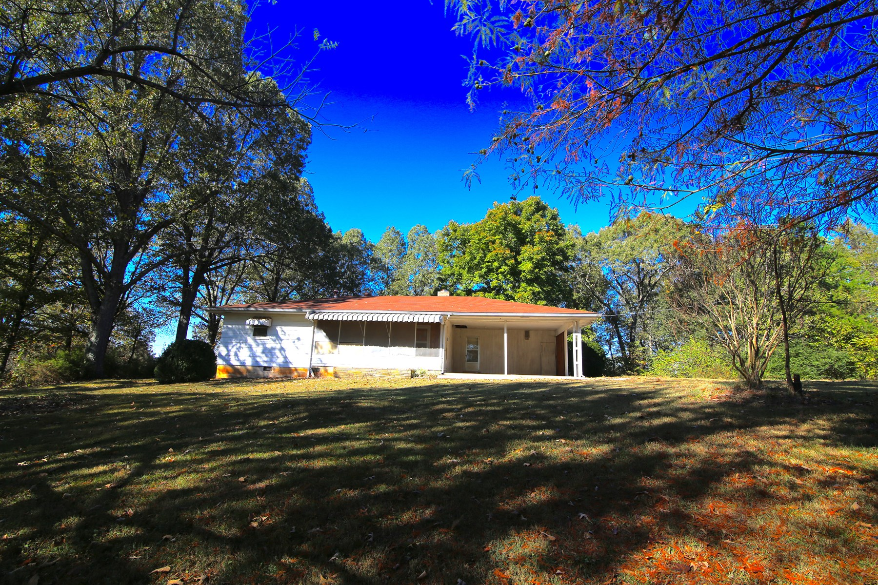 Secluded Home in Thayer School District