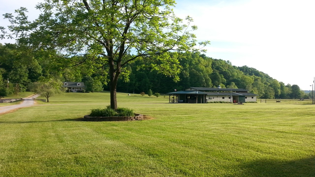 Country home & Horse farm for sale in Kentucky !