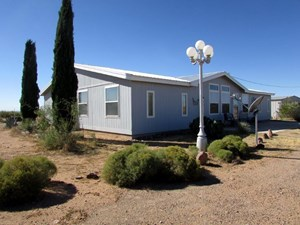 COUNTRY LIVING WITHIN MINUTES OF DEMING, NM.