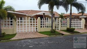 4 BEDROOM HOUSE FOR SALE/RENT IN CORONADO WITH CASITA.
