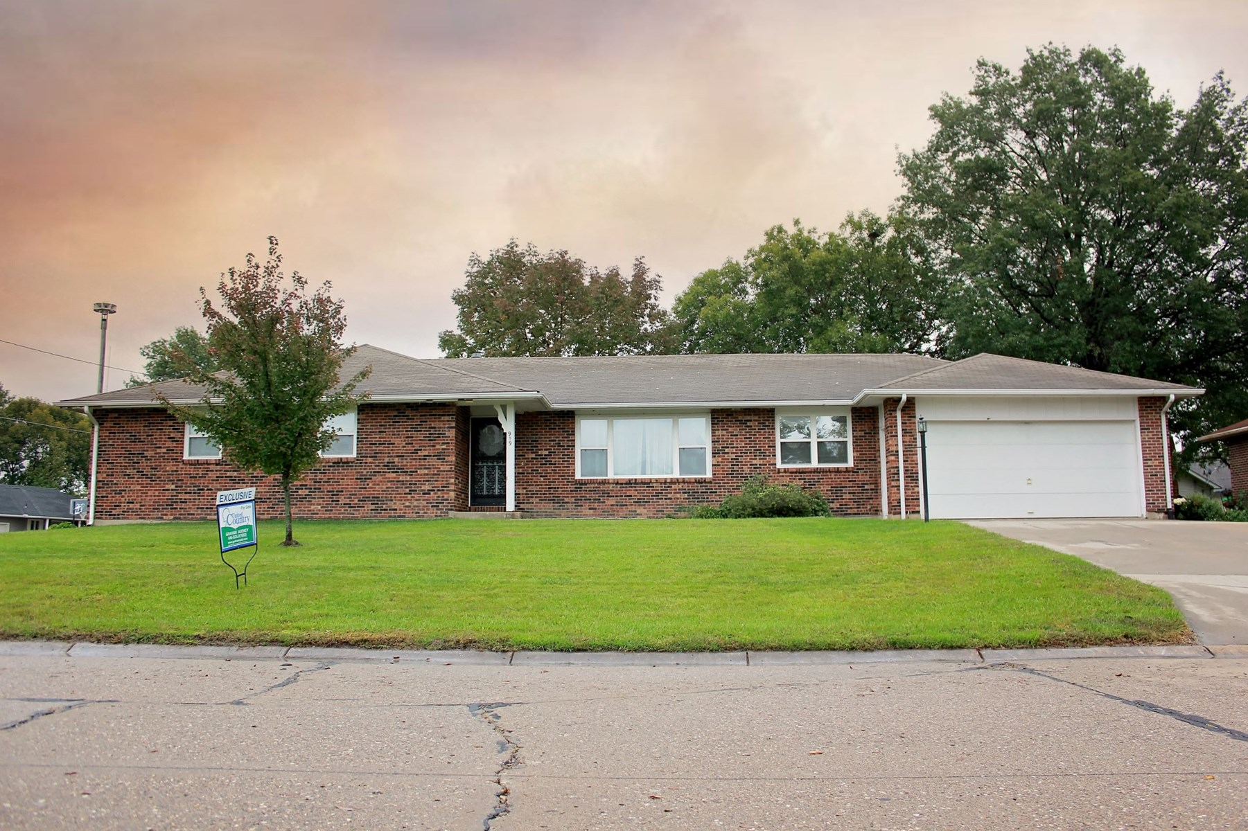 Large Brick Home on Corner Lot, For Sale, Chillicothe, MO