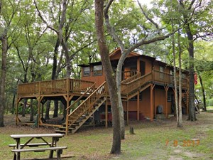 NORTH CENTRAL FLORIDA SUWANNEE RIVER WATERFRONT HOME