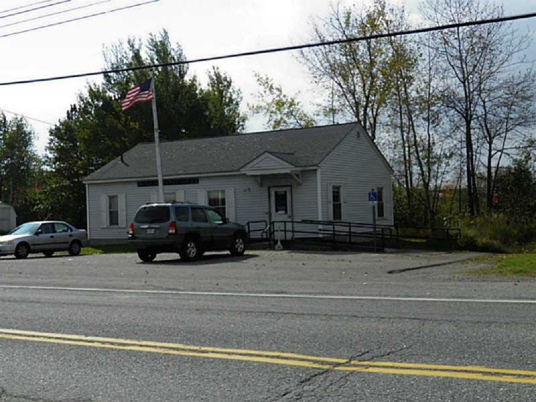 Maine Commerical Building for Sale in Stacyville