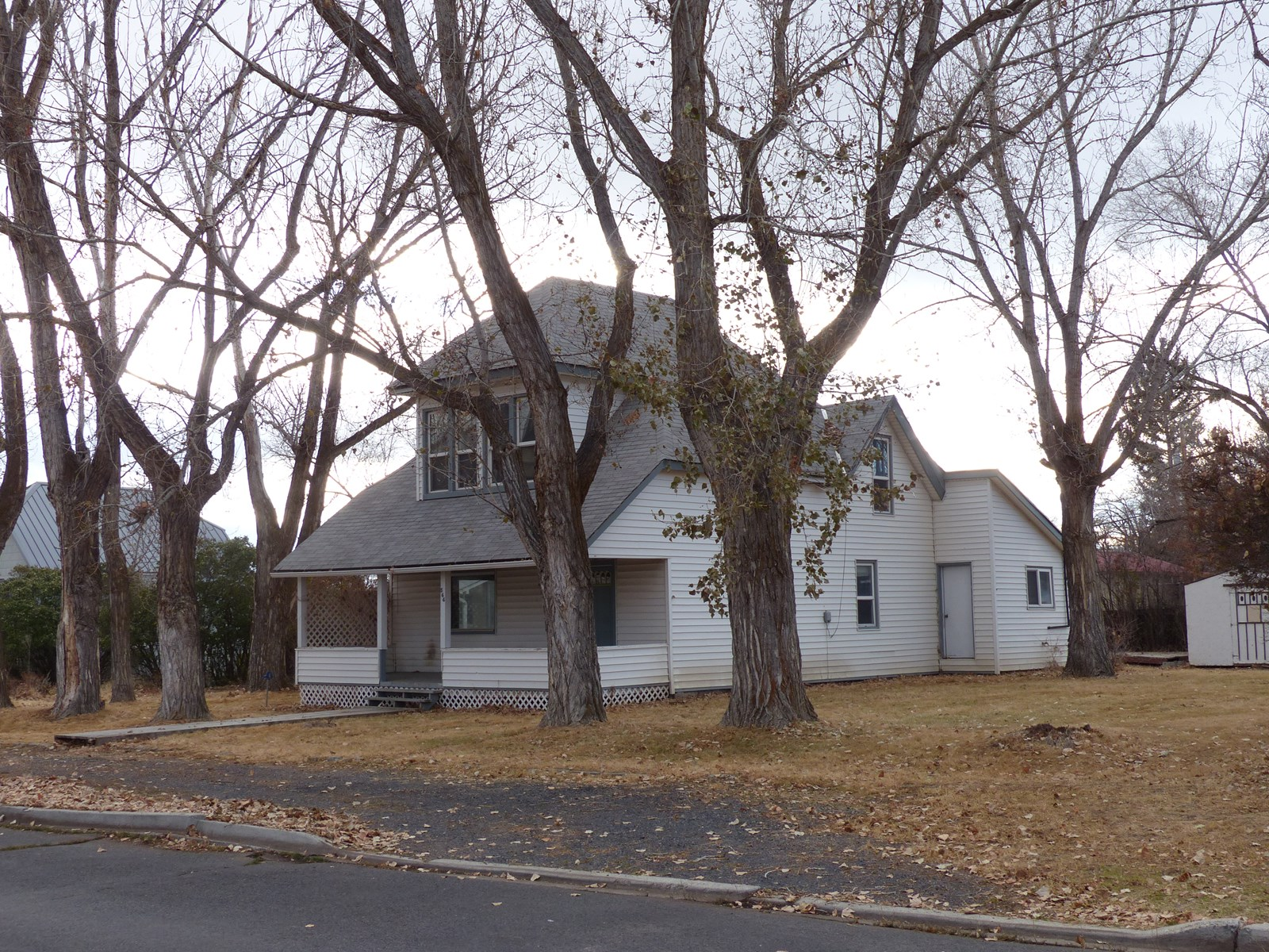 TURN OF CENTURY HOME IN BURNS OR, EASTERN OR HOME FOR SALE