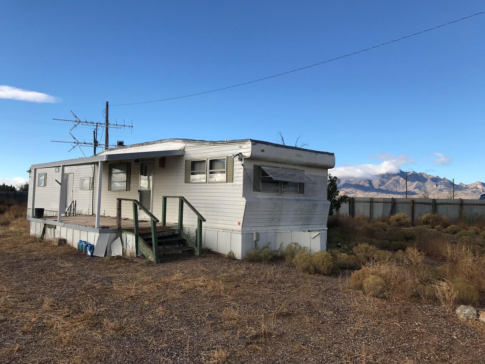 Great location near Akela in the East side of Luna County