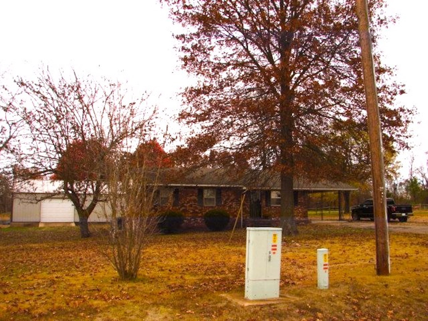 Ozarks House, Shop & Barn on 3.6 acres in Salem, AR For Sale