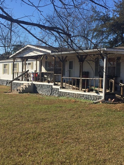 COUNTRY HOME FOR SALE IN CLAYTON,OK-MOUNTAIN VIEWS w/ BARN