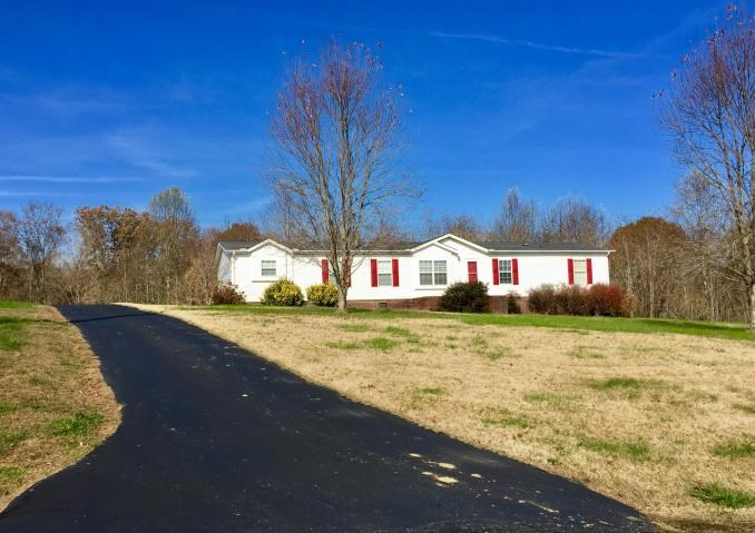 Jackson County country home, 2.65 acres, Bloomington Springs