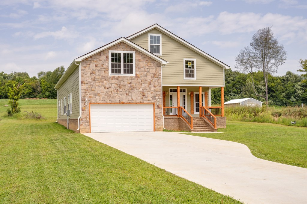 CULLEOKA, TN MAURY COUNTY COUNTRY HOME ON 1 ACRE FOR SALE
