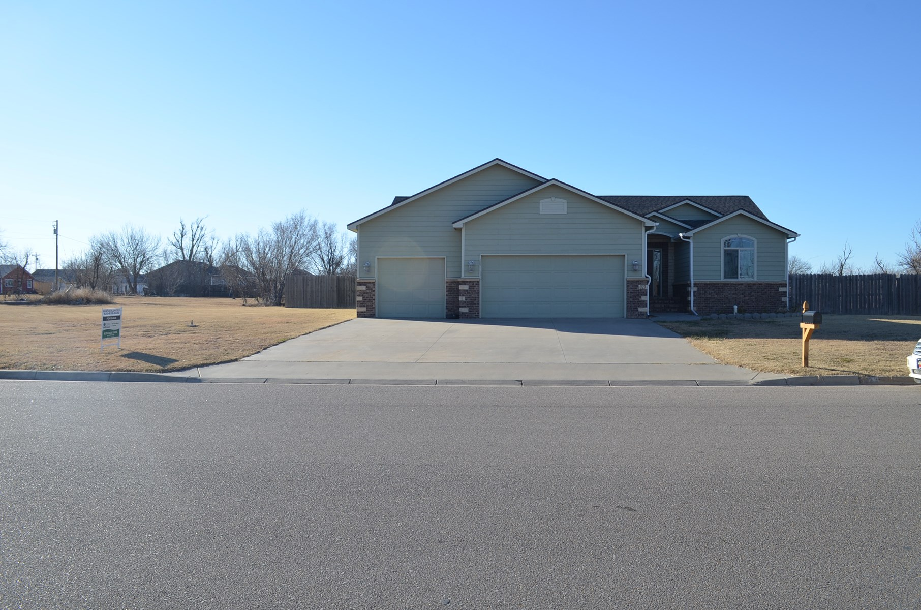 Greensburg, Kansas Country Home For Sale  -  Nearly An Acre