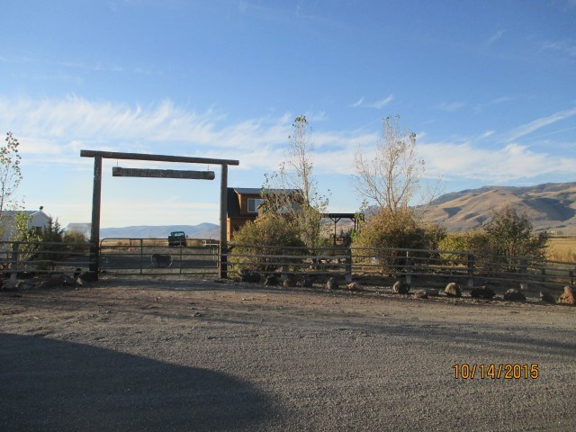 2 Ranch style homes with 40 acres in Surprise Valley