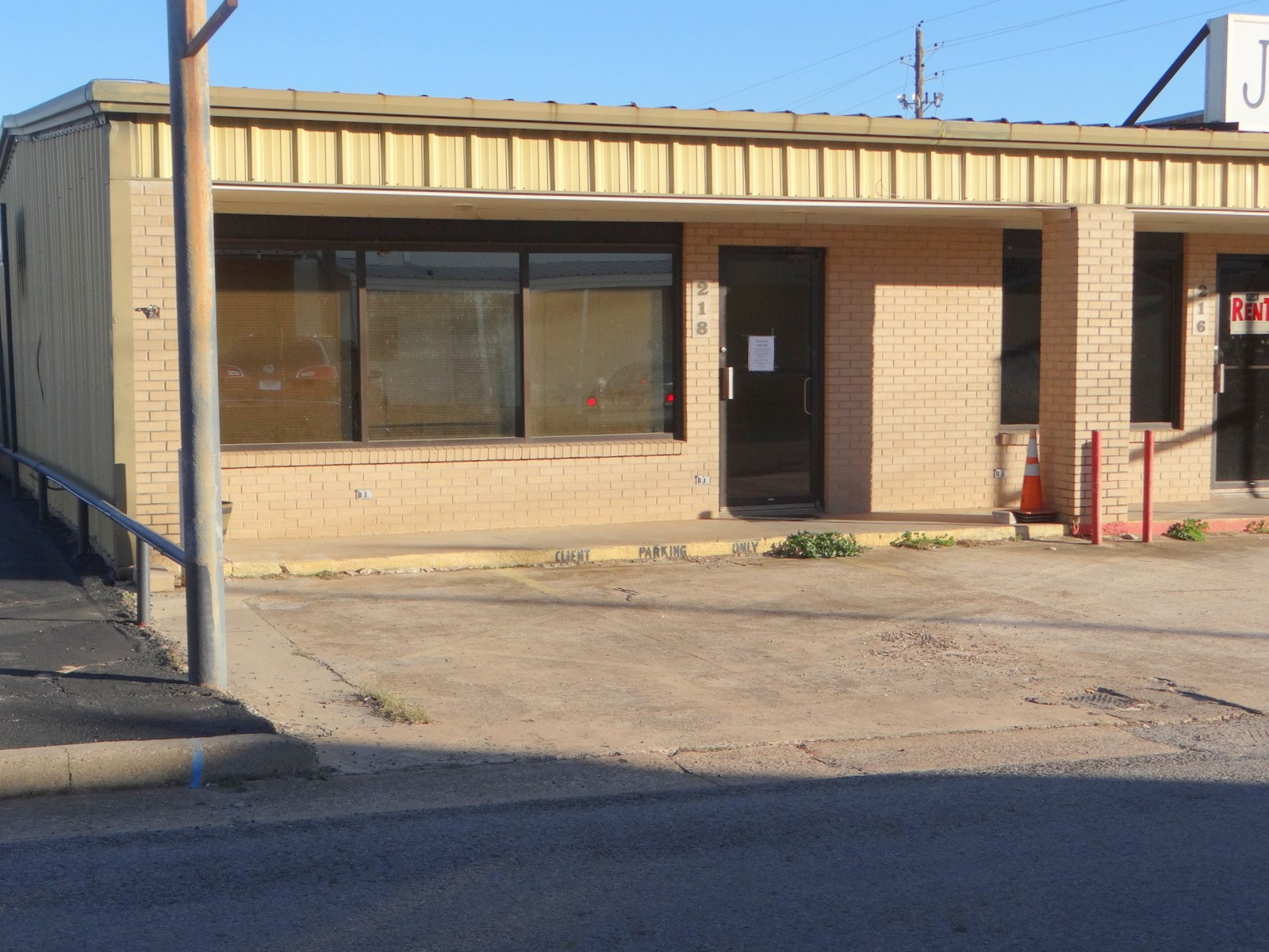 COMMERCIAL OFFICE RETAIL BUILDING WINNSBORO TEXAS