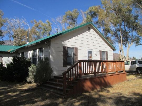 Eagleville CA Home for Sale on 4 Acres with Bunkhouse