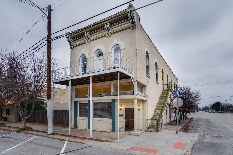 Stunning Historic Residence in Henrietta, TX