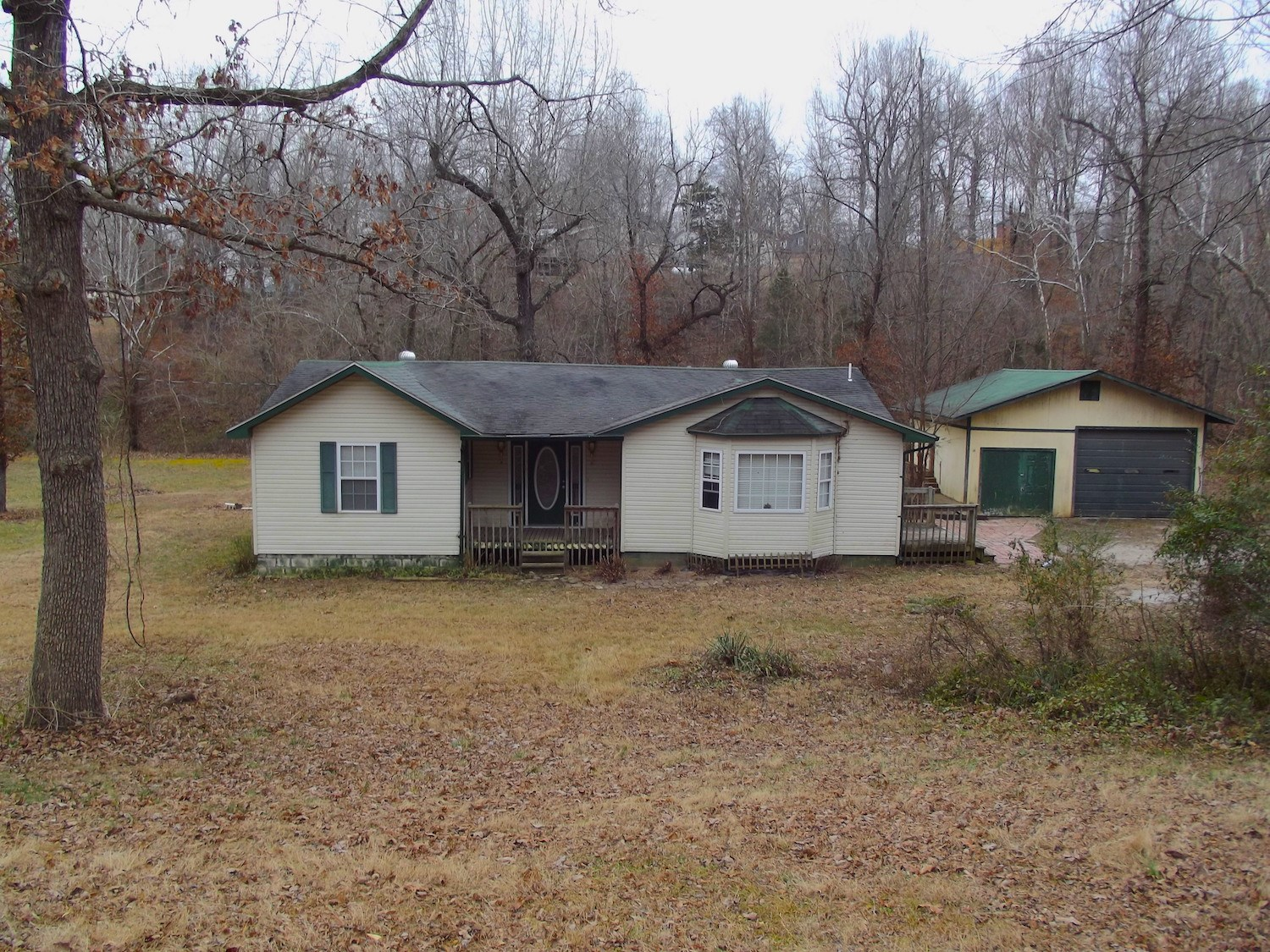 Home for Sale Close to Spring River