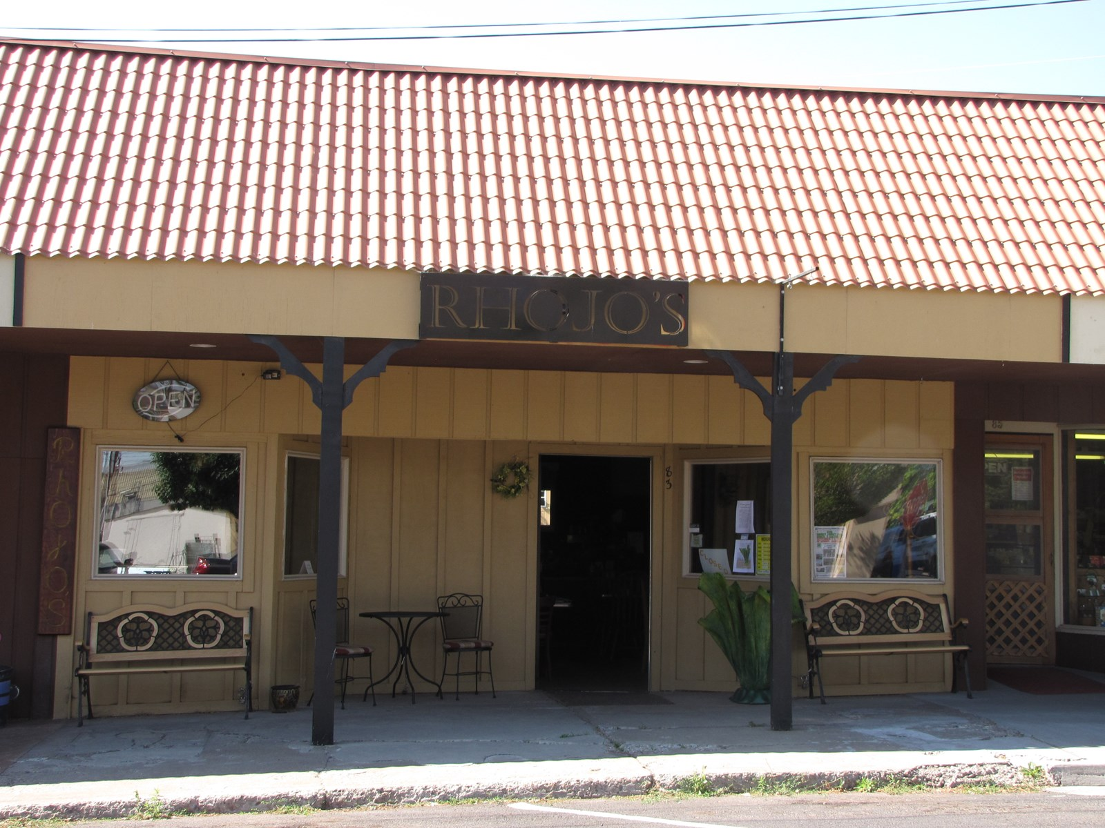 COMMERCIAL BUILDING IN DOWNTOWN BURNS OR