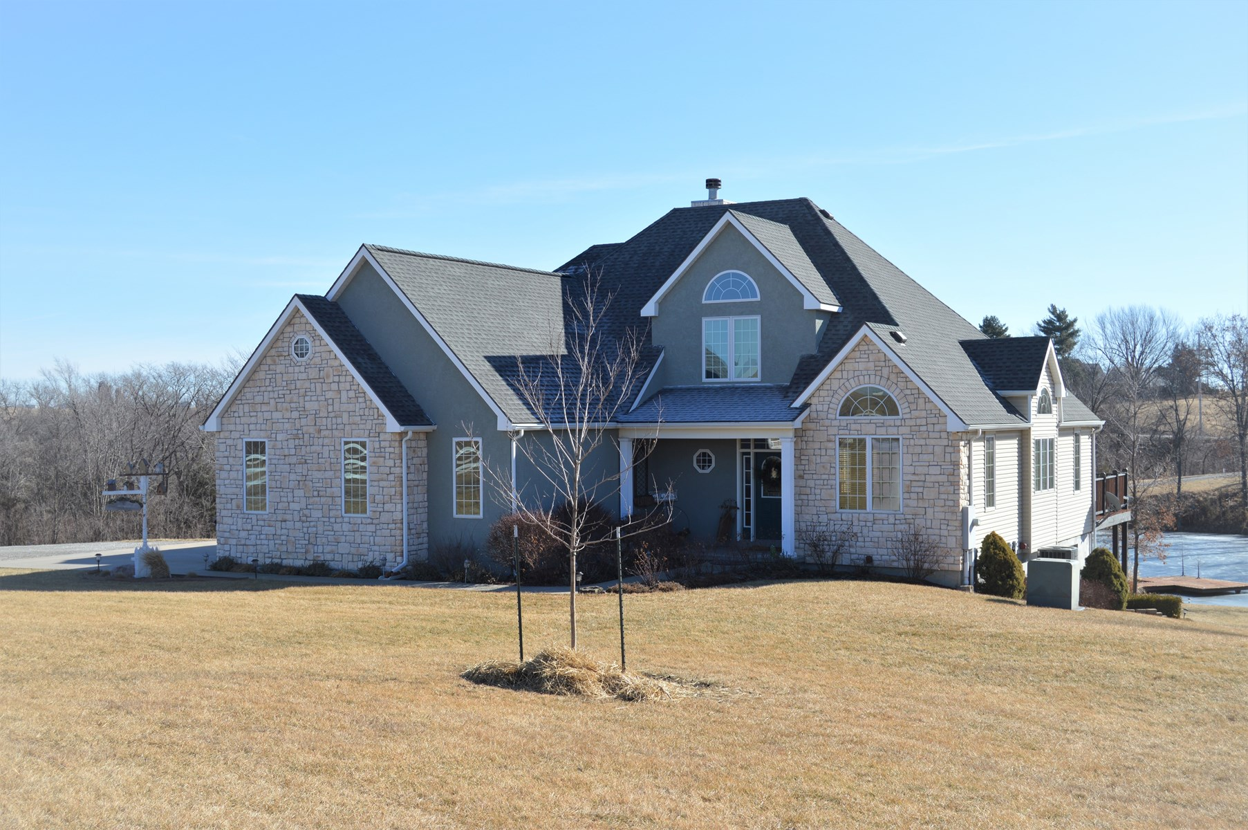Executive Home on Acreage for Sale in Atchison County, KS