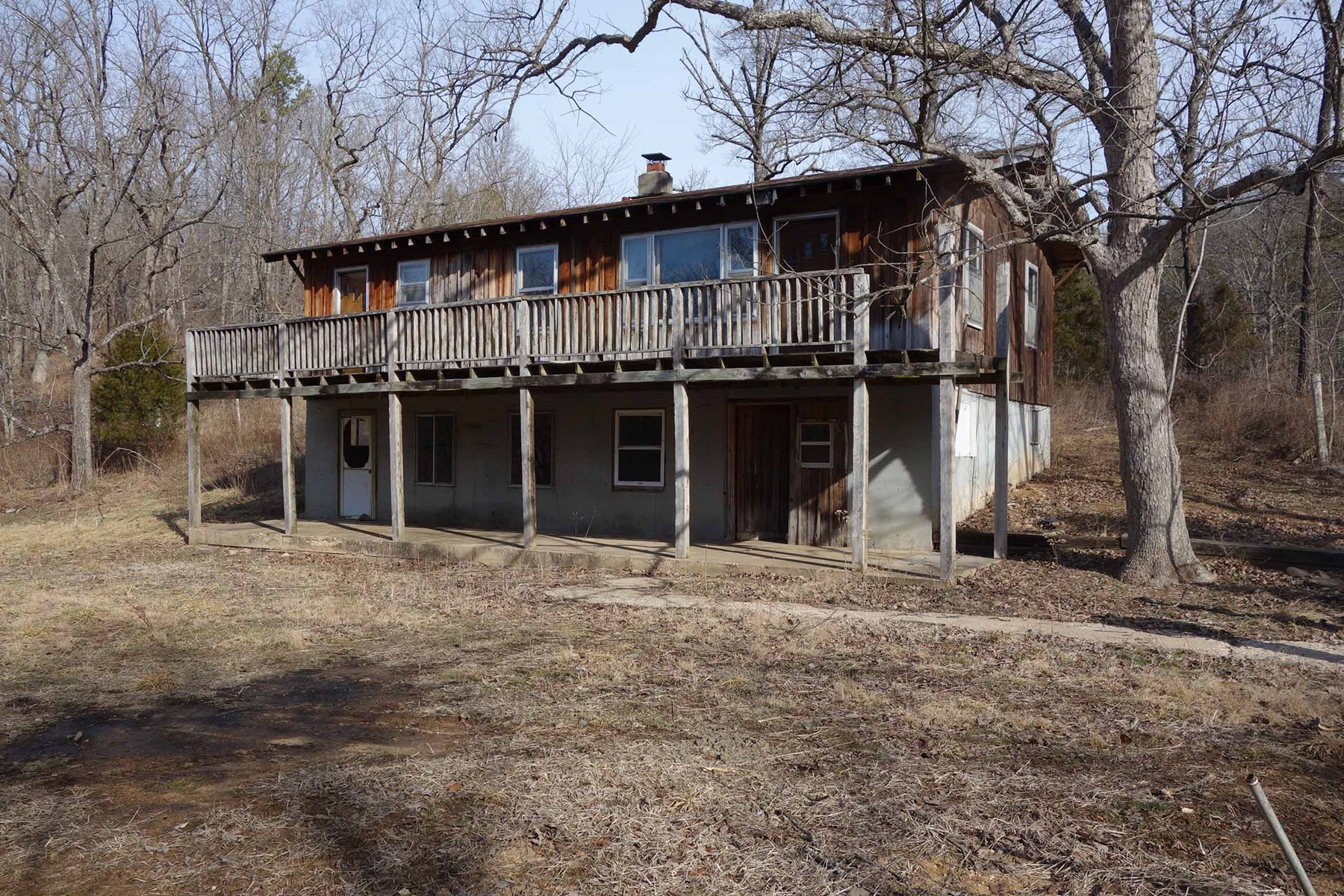 SOUTHERN MISSOURI FIXER-UPPER CABIN & 30.82 ACRES FOR SALE