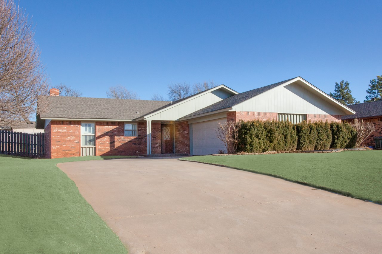 Clinton, OK Home for Sale, Custer County, Sights Acres