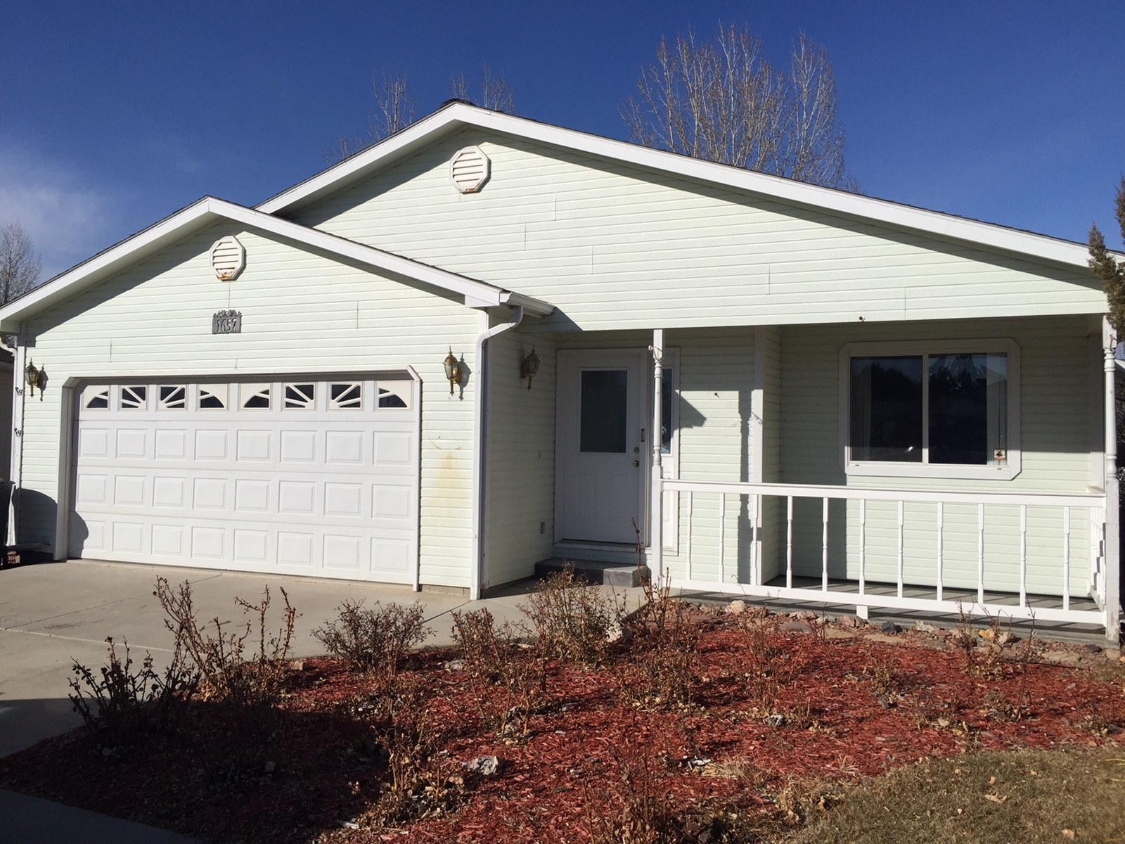 For Sale Montrose Home in Town Near Golf Course