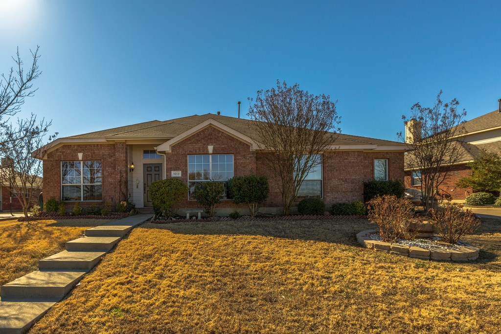 BRICK HOME IN FORNEY TEXAS FOR SALE 4/2/1