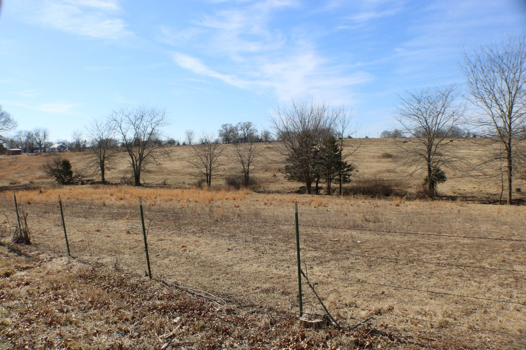 Nice acreage in Ava mo.