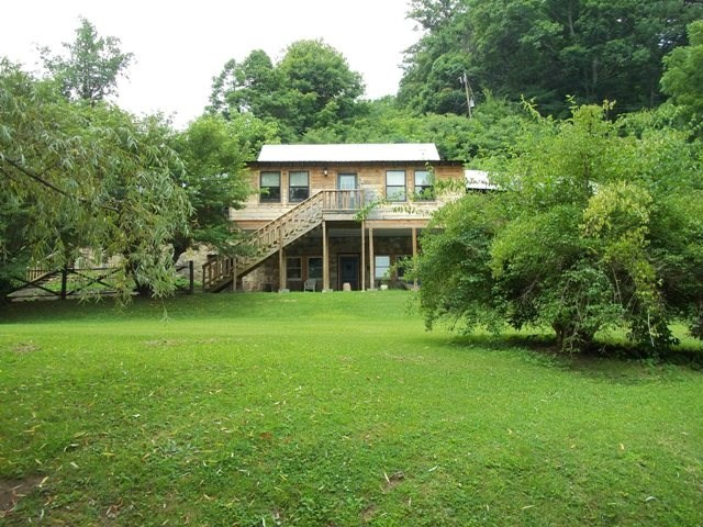 Historic Riverfront Log Home in Abingdon VA