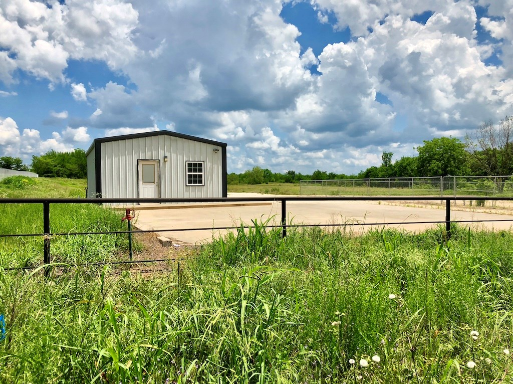 COMMERCIAL LOCATION WITH 3 ACRES OFF MAIN HIGHWAY IN ARDMORE