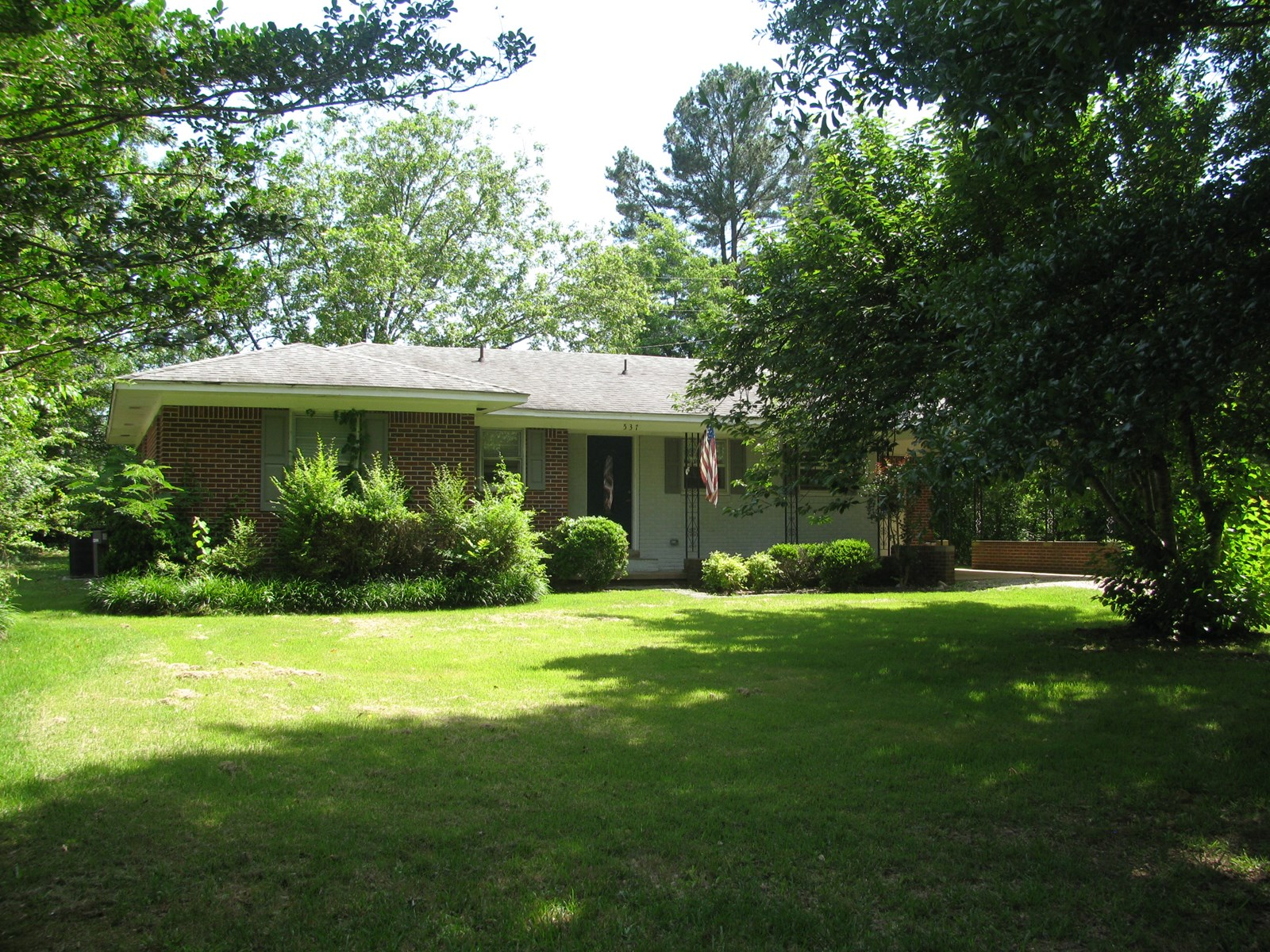 3 BEDROOM, 2 BATH BRICK HOME IN ADAMSVILLE, TN FOR SALE