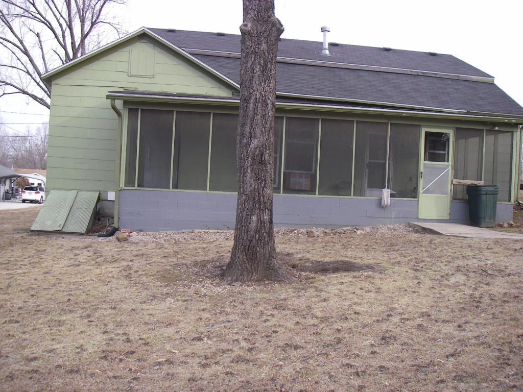 3 Bedroom Home Located Close To Sac Osage River
