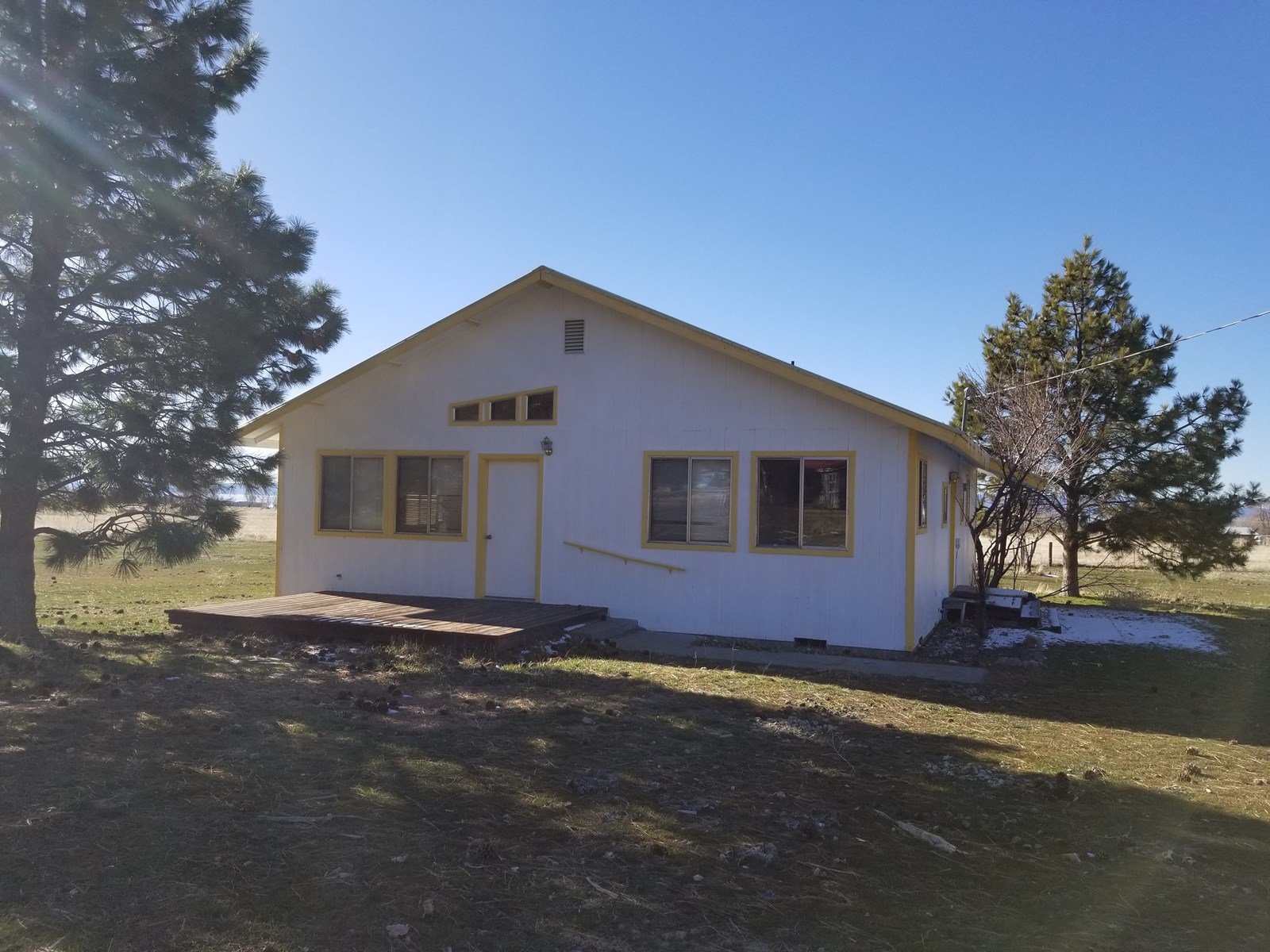 2Bdr/1.5Bth, 1,280Sq Ft Country Home w/Garage/1.84 Acres
