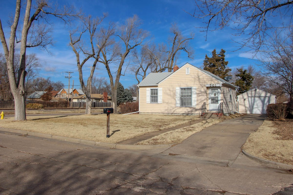 Salina, Kansas Rental House - 201 E. Kirwin Ave.