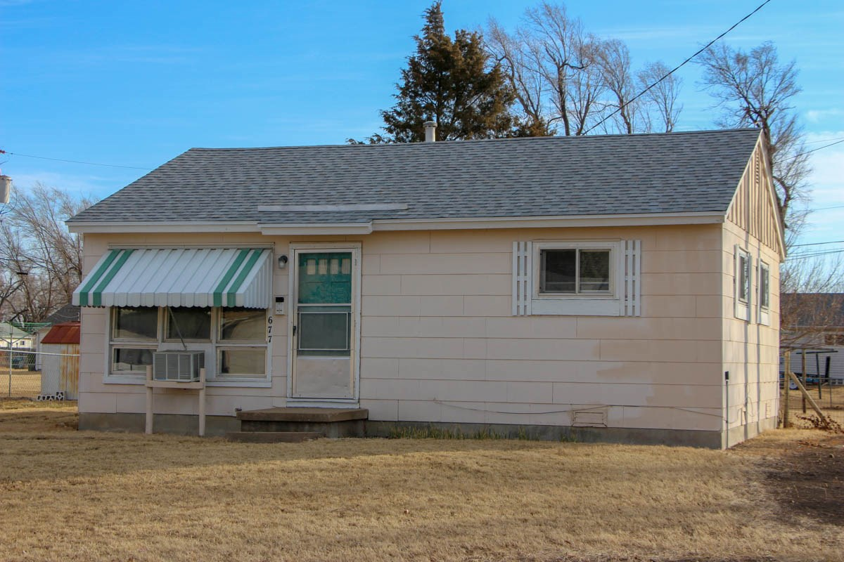 Salina, KS Rental Property Auction - 677 Whittinghill Ave.
