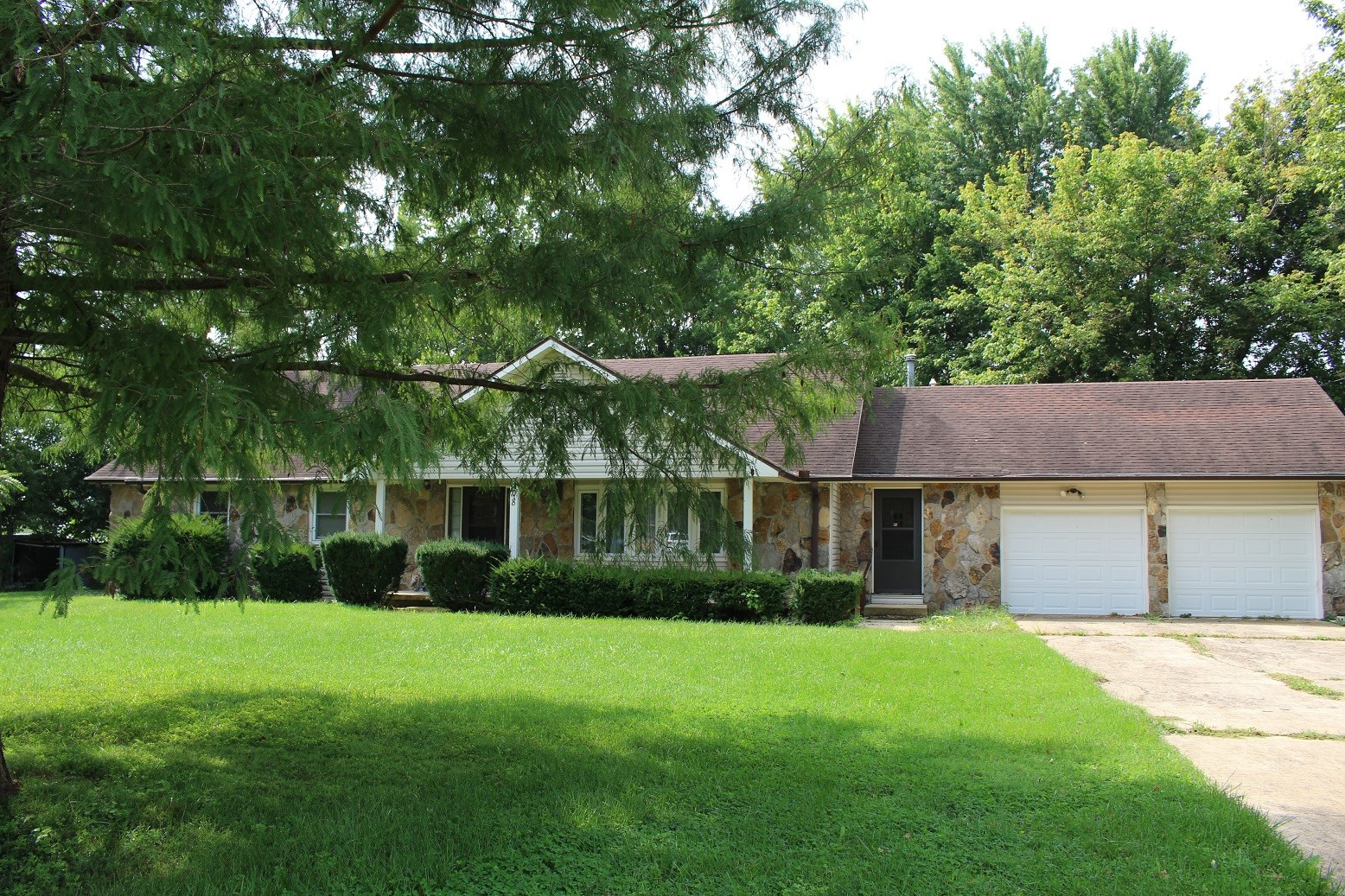 FOR SALE Missouri Ranch Style Home on Ozarks Acreage