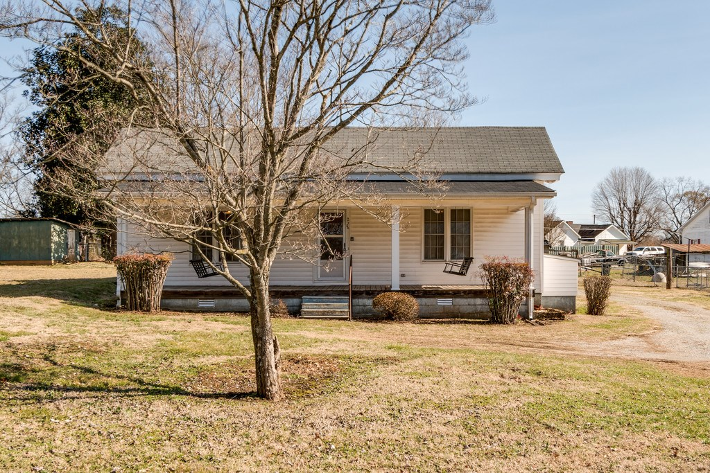 LYNNVILLE, TN GILES COUNTY COUNTRY HOME FOR SALE