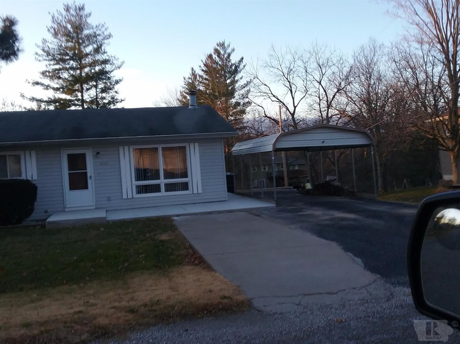House for sale in Hamilton, IL