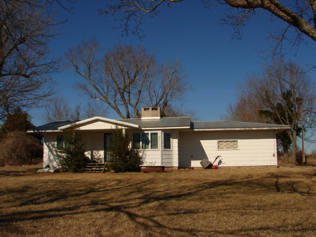 Ozarks Hobby Farm with Ranch Style Home for sale near Salem