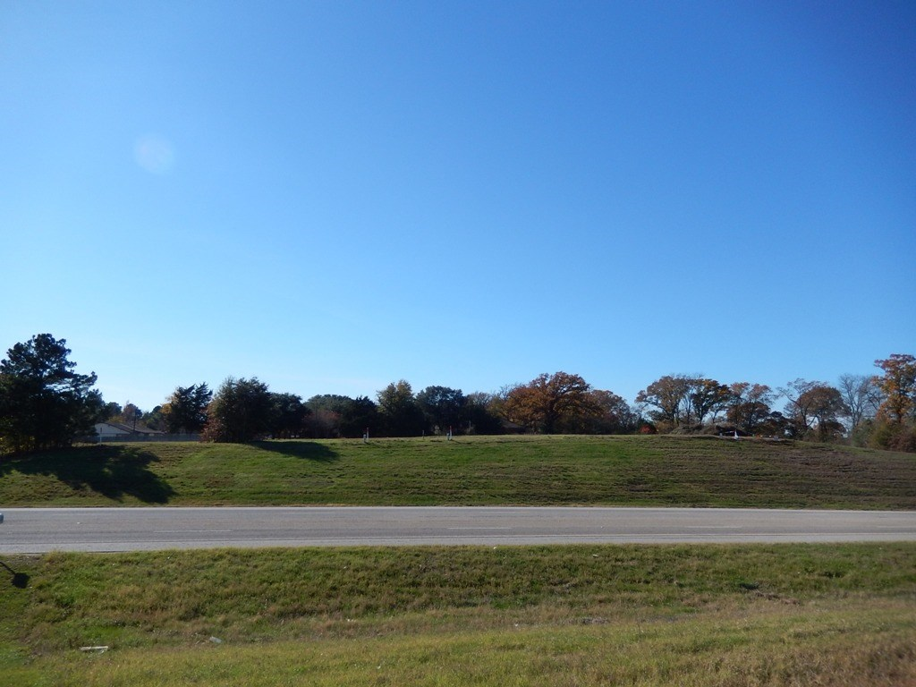 COMMERCIAL LAND ACREAGE FOR SALE PALESTINE TX, HIGH TRAFFIC