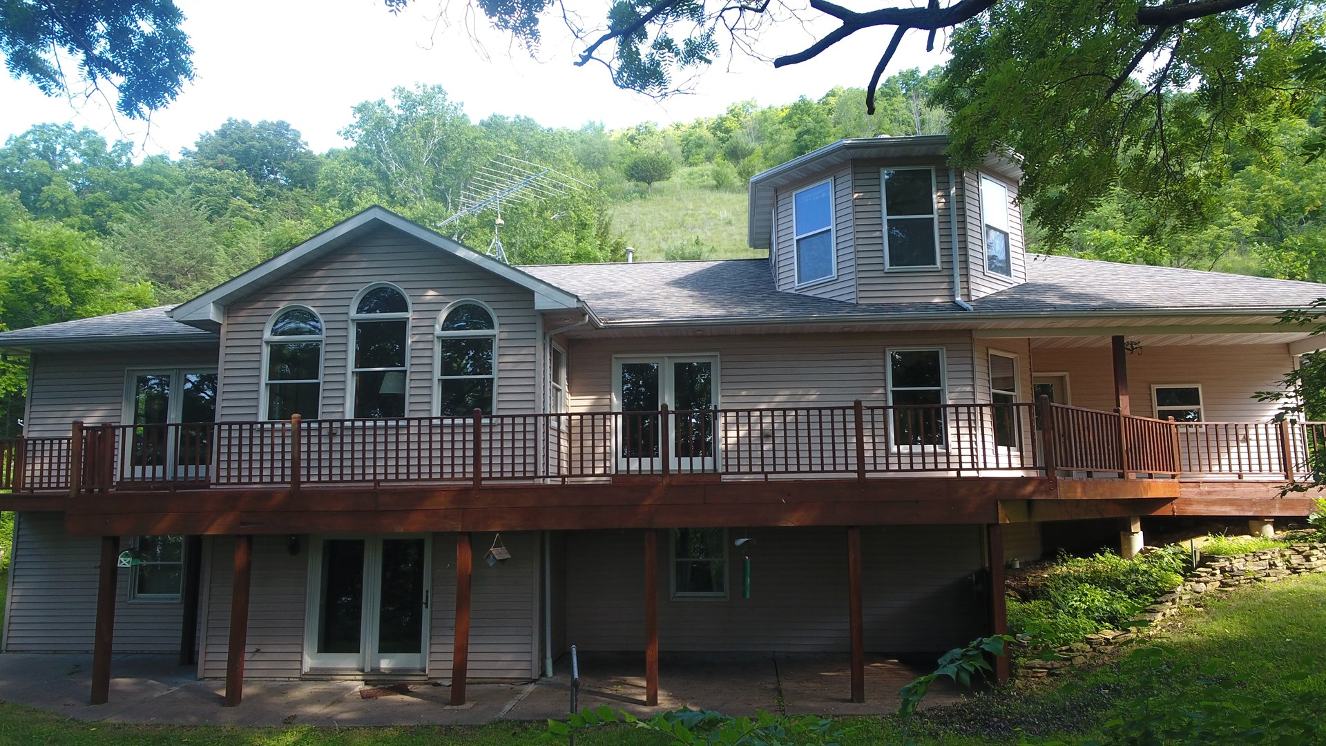 4 BR 3 BA country home on 23 acres for sale in WI