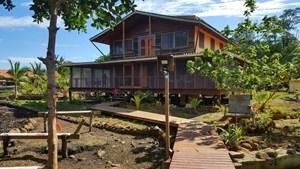 4 BEDROOM COASTAL OCEANFRONT HOME BOCAS DEL TORO PANAMA