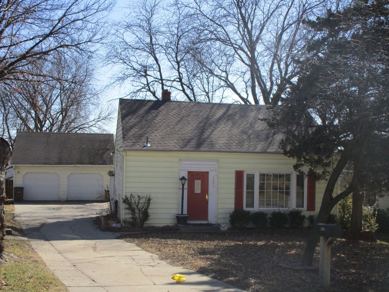 Atchison Home In Great Location