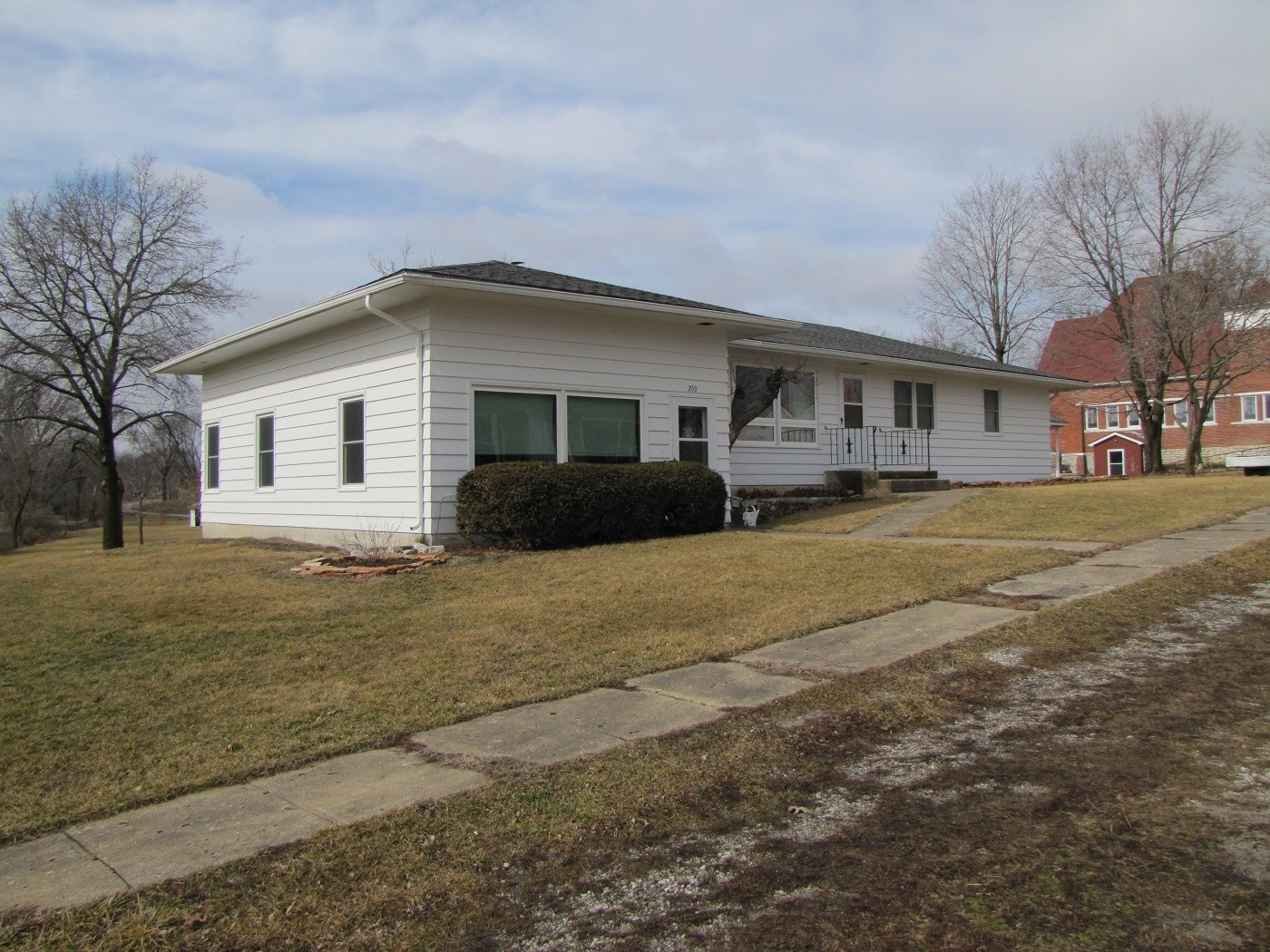 SOUTHERN IA HOME W/SMALL ACREAGE FOR SALE, HOUSE FOR SALE IA