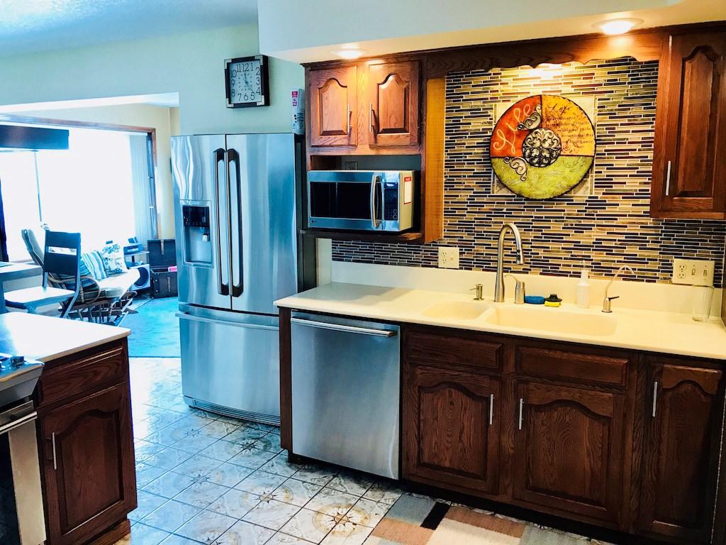 Montana-Dakota Real Estate LLC