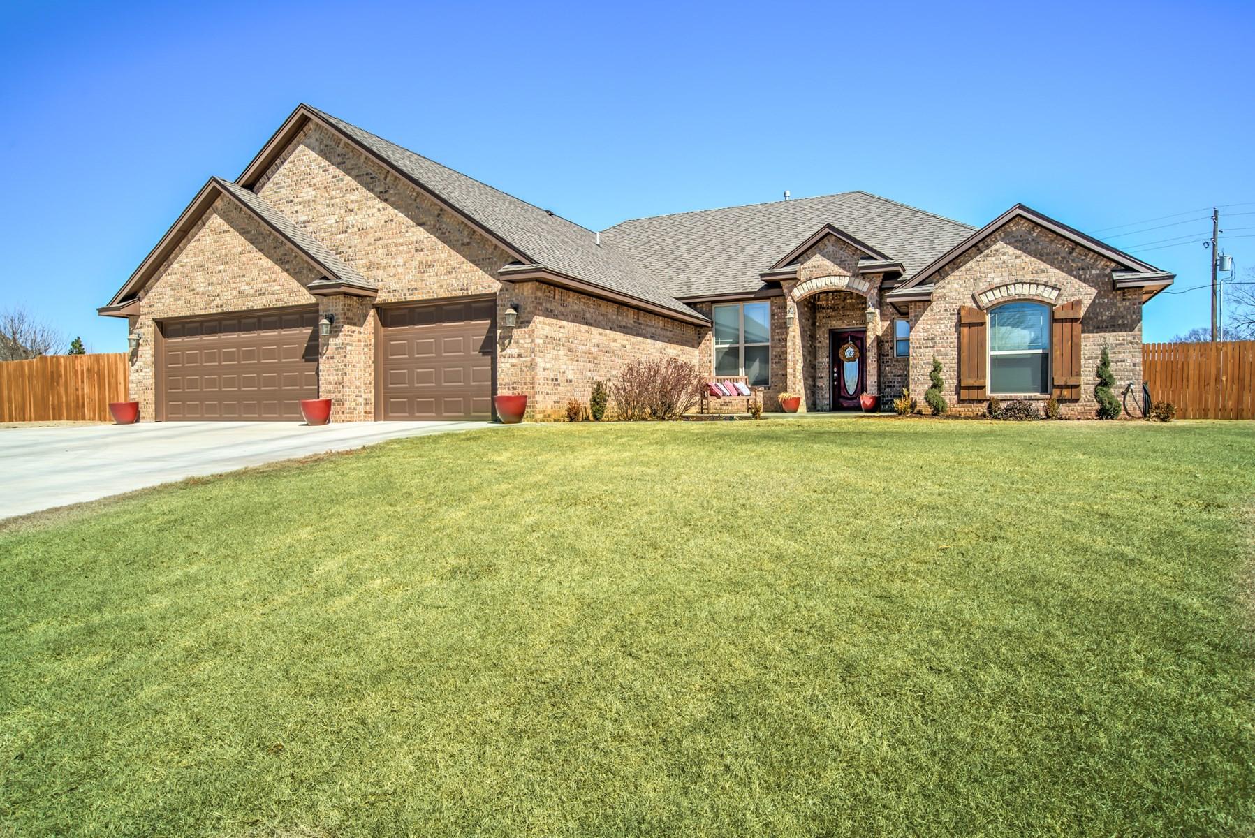 Clinton, OK Home for Sale, Custer County, 73601