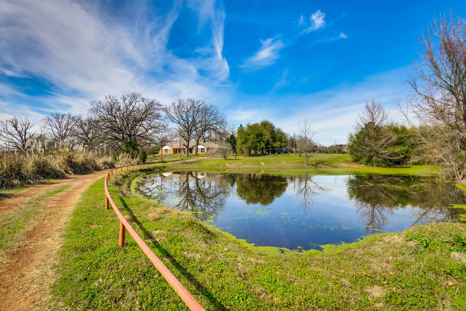 LARGE BRICK HOME - 2 PONDS - PRIVATE - EAST TEXAS