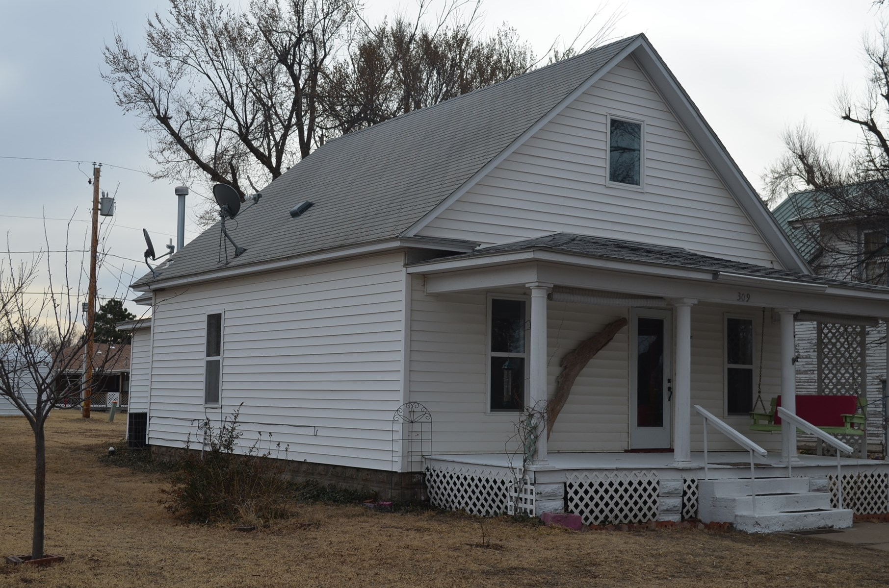 Coldwater, Kansas - Country - Historic Home For Sale